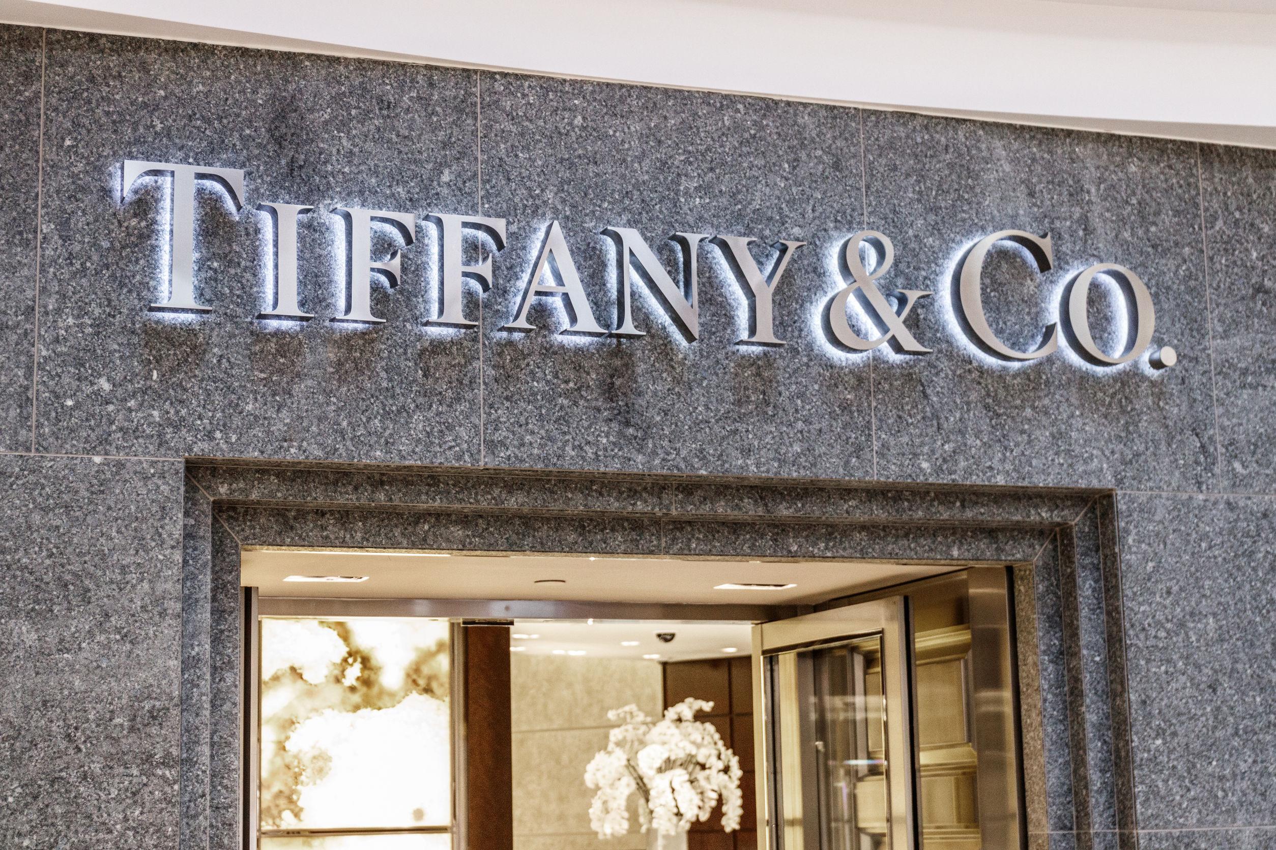 A Tiffany&Co az eljegyzési gyűrűk királynője. Megmutatjuk, hogy miért!